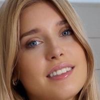 Freya Mayer Nude
